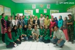 foto-bersama-masyarakat-desa-dan-mahasiswa-HIMAJEM