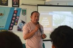 Kepala Biro Kemahasiswaan, Kamaruddin Salim, S.Sos.,M.Si. memberikan sambutannya
