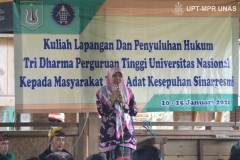 Sambutan oleh ibu Ummu Salamah, S.H., M.a mewakili civitas akademika fakultas hukum