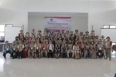 foto bersama perkumpulan dari relawan dari berbagai instansi