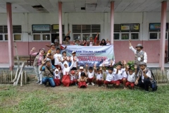 foto bersama program trauma healing