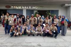 kumpulan relawan dalam program trauma healing