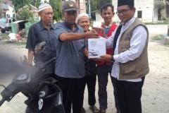 pemberian bantuan dari UNAS kepada korban bencana