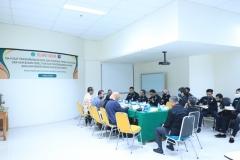 Suasana wawancara anggota PBH Unas dengan peneliti dari Pusat Pengembangan Data dan Informasi Penelitian Hukum dan HAM