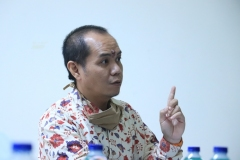 Peneliti Madya dari Balitbang Hukum dan HAM, Oki Wahju Budianto, S.E..  dalam kegiatan wawancara.