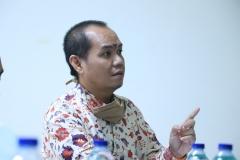 Peneliti Madya dari Balitbang Hukum dan HAM, Oki Wahju Budianto, S.E..  dalam kegiatan wawancara. (2)