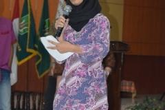 ketua himpunan mahasiswa agroteknologi saat memperkenalkan anggota dan struktur organisasi himagro