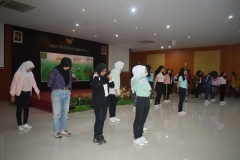 dance cover dari program studi Korea yang dibawakan oleh mahasiswi-mahasiswi