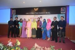 Foto bersama calon wisudawan dan wisudawati program studi Sosiologi dalam kegiatan Yudisium FISIP