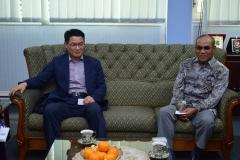 Rektor Universitas Nasional  Dr. El Amry Bermawi Putera. M.A  dengan Manager Of  King Sejong Institute