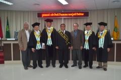 Dr. Budi Pramono, S.IP, MM, MA. Bersama para Guru Besar atau tim penguji