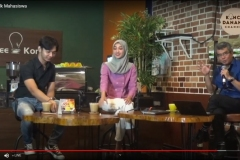 Meka Yolanda Zahra dan Andika, dua mahasiswa Unas menjadi narasumber dalam kegiatan 'Konco Talk' di Koffee Konco (2)