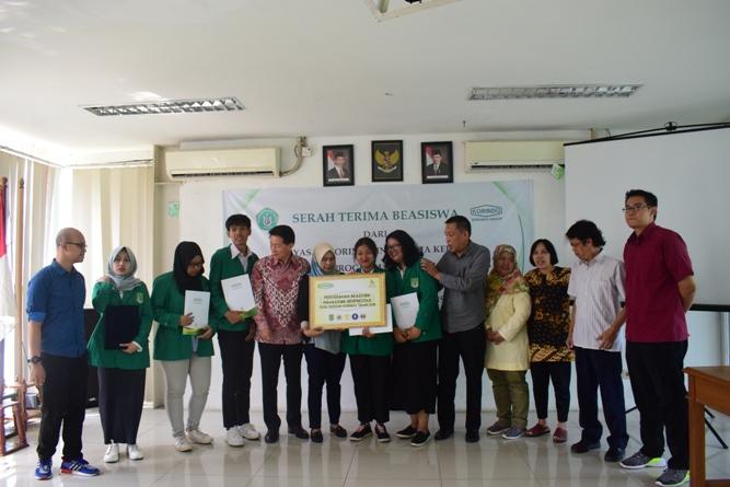 Korindo Berikan Beasiswa Bagi Mahasiswa ABANAS Berprestasi (10)