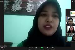 Penerima beasiswa korindo Amanda Marisca Firdausy saat memberikan kesan dan pesan dalam acara kegiatan penyerahan beasiswa yayasan korindo pada Selasa, 29 September 2020 di Jakarta