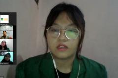 Penerima beasiswa korindo Putri Miranti  saat memberikan kesan dan pesan dalam acara kegiatan penyerahan beasiswa yayasan korindo pada Selasa, 29 September 2020 di Jakarta
