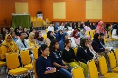 Para peserta saat mengikuti kuliah Umum