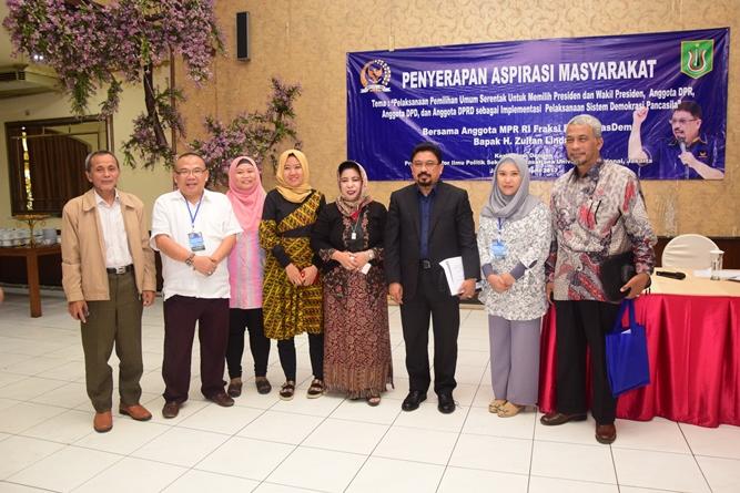 Para peserta dan narasumber