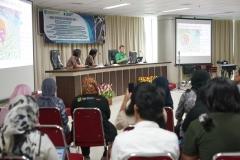 "The Public Lecture on ""Borneo Mammals"" di Ruang Seminar lantai 3 menara 1 UNAS, Senin (16/9)"