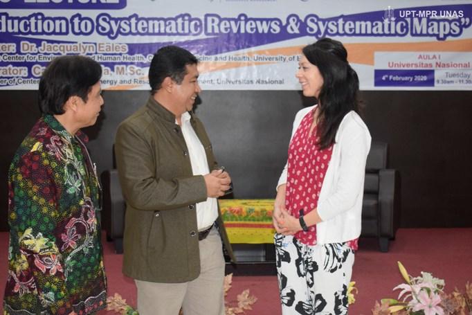 Prof.-Dr.-Iskandar-Fitri-ST.-MT-dan-Dr.-Jacqualyn-Eales-dalam-Kuliah-Umum