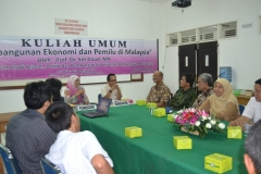 Suasana kuliah umum bersama dengan menarik