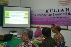 Suasana kuliah umum dengan malaysia