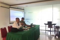 Prof-Samsuri-kiri-dan-Iskandarsyah-Siregar-S.S.-M.Hum-kanan-dalam-kuliah-umum