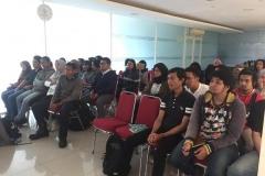 mahasiswa-sedang-mendengarkan-materi-2
