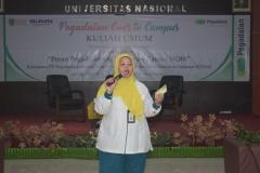 Perwakilan Pegadaian saat menjelaskan tentang pinjaman bagi mahasiswa