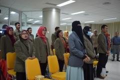 para mahasiswa dari STIA Bina Benua Banjarmasin sedang menyanyikan lagu Indonesia Raya