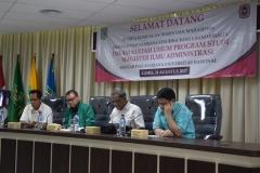 para tamu undangan dalam acara kuliah umum sekolah pascasarjana UNAS dan STIA Bina Banua
