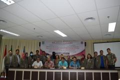 foto bersama usai acara kuliah umum program studi magister ilmu administasi di menara unas 1