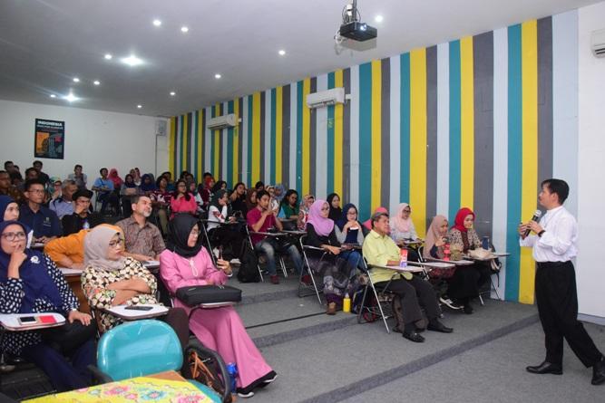 Kuliah Umum Public Lecture (Riset For Climate) di UNAS (7)
