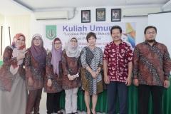 Foto bersama para narasumber, Dekan, Dosen fakultas bahasa sastra UNAS, di ruang seminar UNAS, Jakarta, Sabtu (6/4)