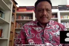 DekanFakultas Hukum Prof. Dr. Basuki Rekso Wibowo, S.H., M.S. sedang memberikan sambutannya dalam kuliah umum