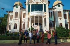 foto-bersama-para-dosen-dari-fakultas-pertanian-Unas-di-Malaysia