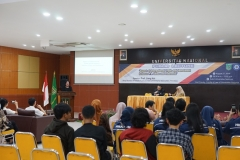 "Public lecture ""Aspect of internasional trade and investment between P.R. China and Indonesia"" pada selasa, (27/8) di Aula blok 1 lantai 4 UNAS."