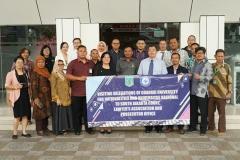 Foto bersama seluruh delegasi Guangxi University for Nationalities, China  dan Universitas Nasional serta pimpinan Pengadilan Negeri Jakarta Selatan pada selasa (27/8)