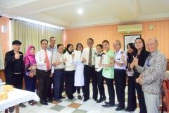 foto bersama Direktur Akparnas dan jajaran dengan CKPNI Serta mahasiswa (2)