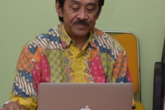 ketua LSM Pariwisata Archipelago saat menjelaskan materi