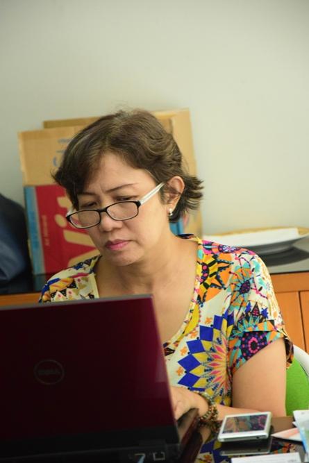 Dra. Nyoman Elly Swandayani saat seminar