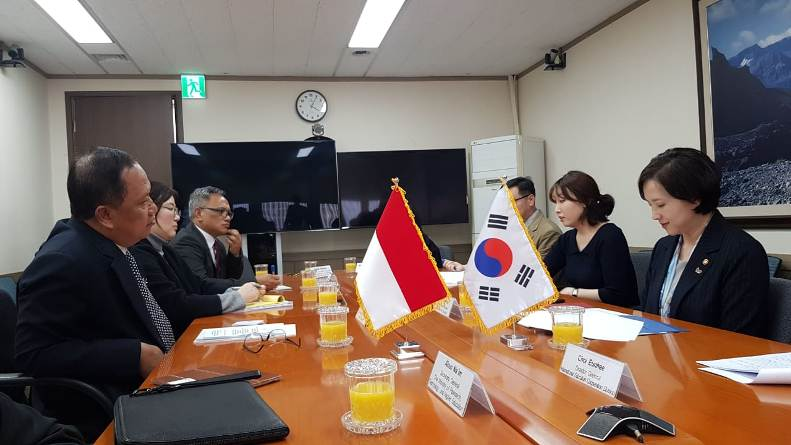 Korea Deputy Prime Minister and Minister of Education, H.E. Yoo Eun-hae menerima delegasi KEMENRISTEKDIKTI, yang dipimpin oleh Menteri RISTEKDIKTI, Prof. H. M. Natsir Ph.D.