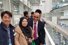 Rektor UNAS Dr.Drs. El Amry Bermawi Putera, M.A berfoto bersama dosen UNAS dan delegasi di sela-sela kunjungannya