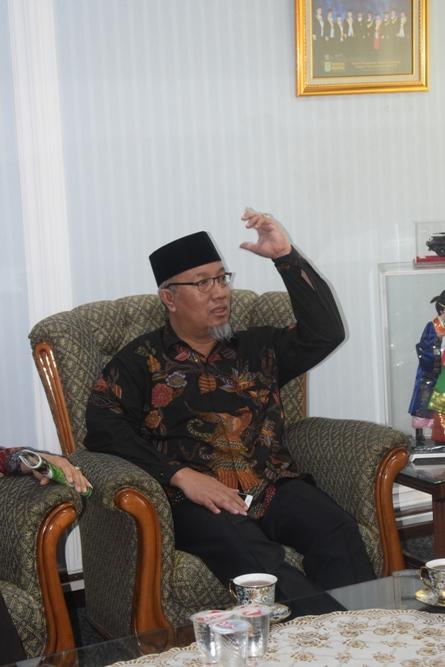 Staff Khusus Kemenristek Dikti (Abdul Wahid Maktub)