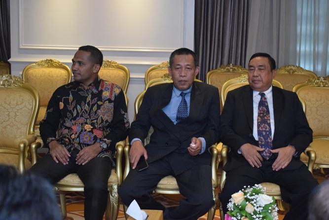 Para petinggi dan dosen UNAS dalam menghadiri pertemuan dengan ketua DPR RI