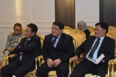 para petinggi UNAS dalam menghadiri rapat pertemuan