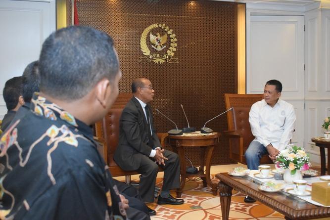 pertemuan Rektor dan para petinggi UNAS dengan Ketua DPR RI