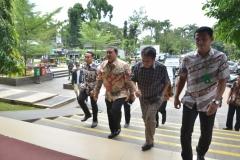 Dr. H. Fadli Zon, S.S., M.Sc. (Wakil Ketua DPR RI) tiba di Universitas Nasional (2)