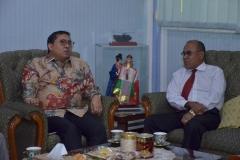 Dr. H. Fadli Zon, S.S., M.Sc. (Wakil Ketua DPR RI) dan Dr.Drs. El Amry Bermawi Putera, M.A (Rektor Universitas Nasional) (2)