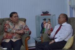 Dr. H. Fadli Zon, S.S., M.Sc. (Wakil Ketua DPR RI) dan Dr.Drs. El Amry Bermawi Putera, M.A (Rektor Universitas Nasional) (3)