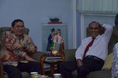 Dr. H. Fadli Zon, S.S., M.Sc. (Wakil Ketua DPR RI) dan Dr.Drs. El Amry Bermawi Putera, M.A (Rektor Universitas Nasional) (4)
